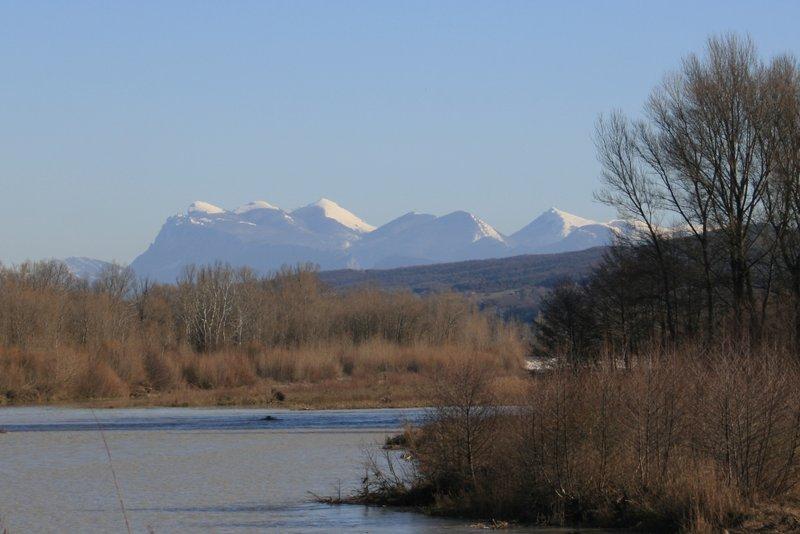 La Drôme et en arrière plan les 3 bec enneigés