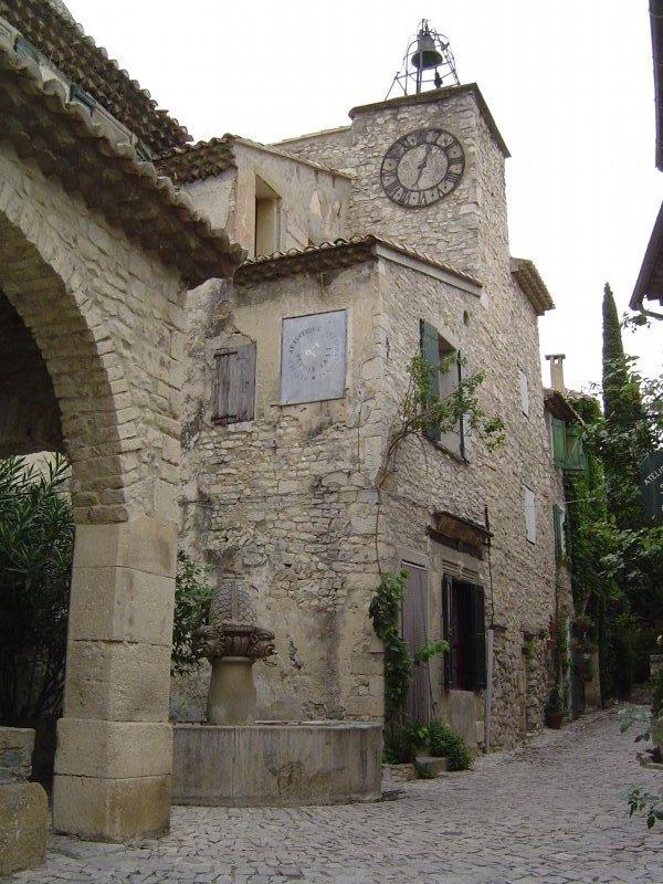 Dans le village de Séguret