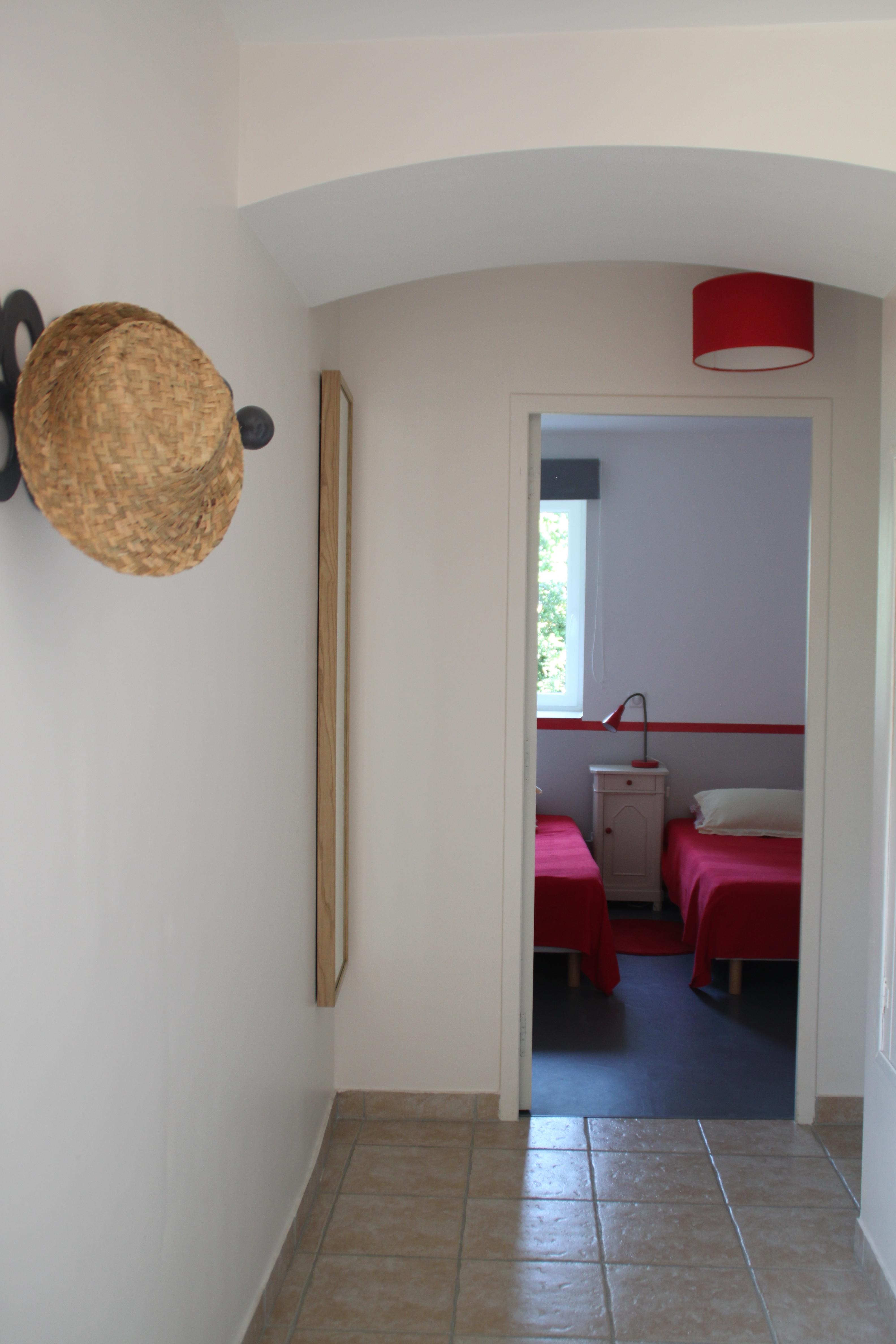 le couloir menant à 2 des 3 chambres