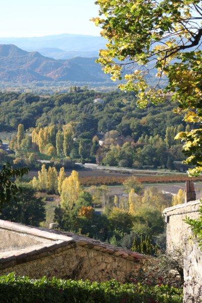 Vue sur la petite vallée de Teyssonne depuis le village de Mirmande